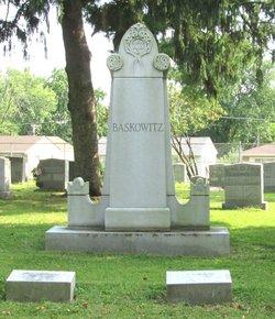 Monroe Leslie Cruvant