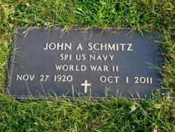 Johnny Bear Tracks Schmitz
