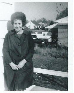 Ruth Elizabeth <i>Maki</i> Holten