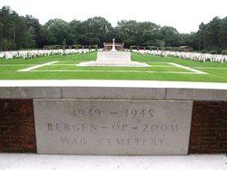 Bergen-op-Zoom War Cemetery