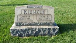 Emma R. Kienzle