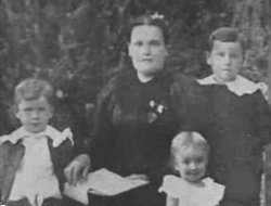 Margaret Ann Maggie <i>Dunlevy</i> Sanders