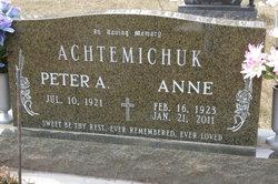 Anne <i>Tymchyshyn</i> Achtemichuk
