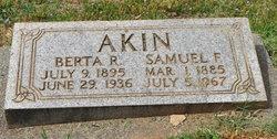 Berta Regina <i>Odlin</i> Akin